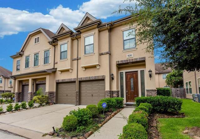11626 Royal Oaks Crossing, Houston, TX 77082 (MLS #11575937) :: Rachel Lee Realtor