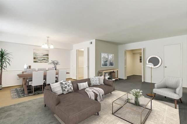359 N Post Oak Lane #123, Houston, TX 77024 (MLS #11704453) :: My BCS Home Real Estate Group