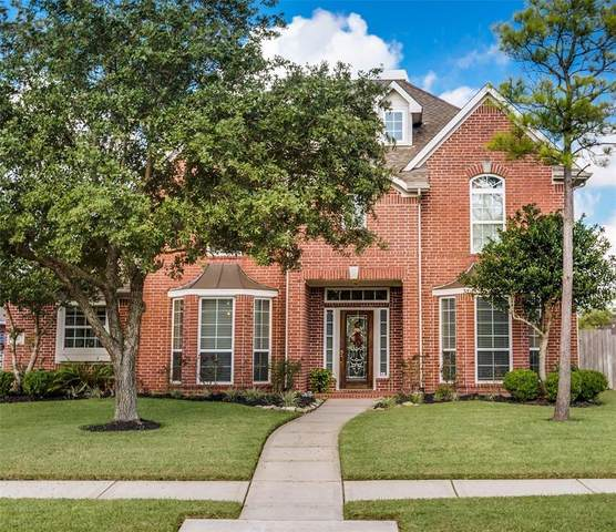 210 Whitehall Lane, League City, TX 77573 (MLS #11754018) :: Rachel Lee Realtor