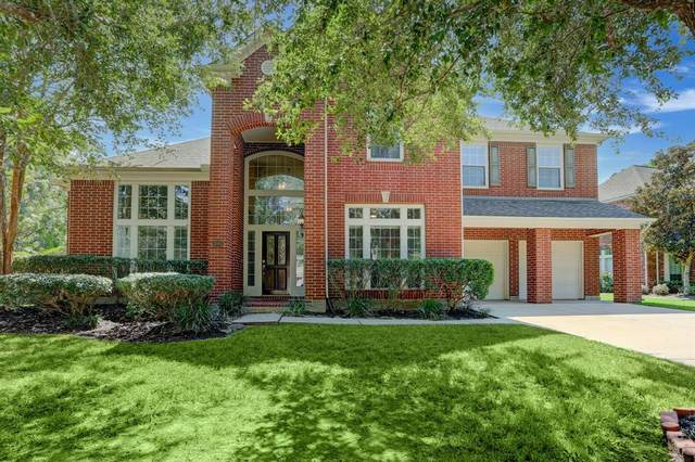 3002 Harvest Hill Drive, Friendswood, TX 77546 (MLS #11801431) :: Connell Team with Better Homes and Gardens, Gary Greene