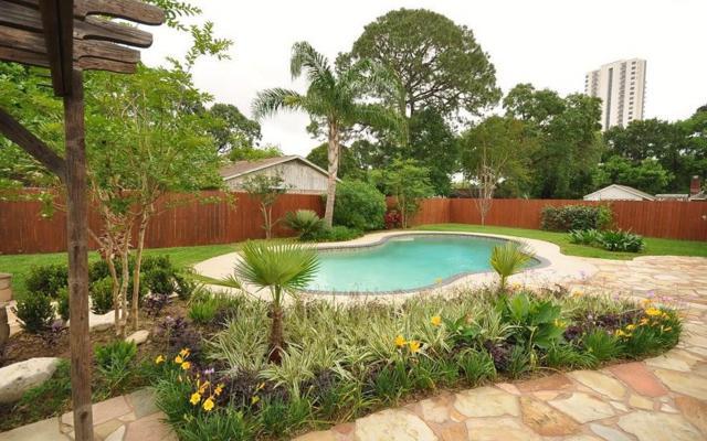 202 Denton Drive, Pasadena, TX 77586 (MLS #11854443) :: Magnolia Realty