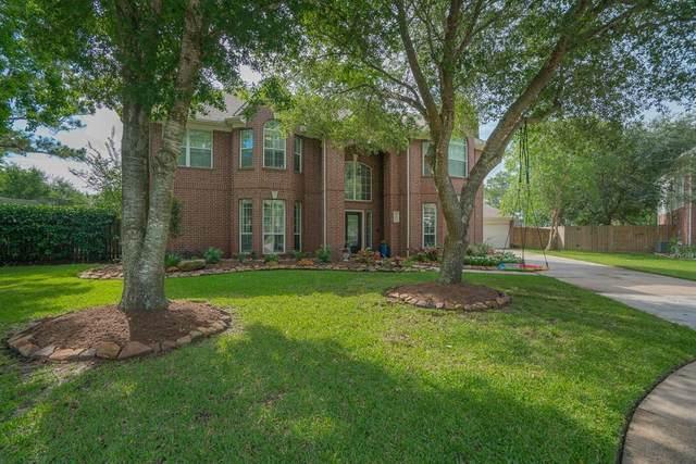 801 Morning Dove Lane, Friendswood, TX 77546 (MLS #11859938) :: Rachel Lee Realtor