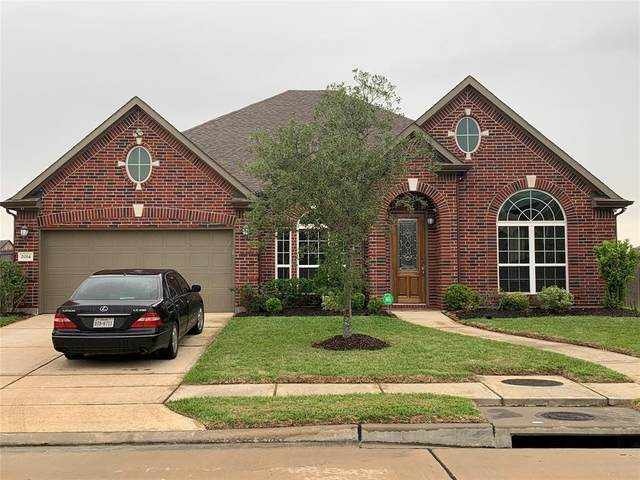 2014 Coventry Bay Drive, Pearland, TX 77089 (MLS #11915467) :: Parodi Group Real Estate