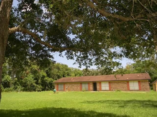 10 Forrest Lane, Angleton, TX 77515 (MLS #11986586) :: The Freund Group
