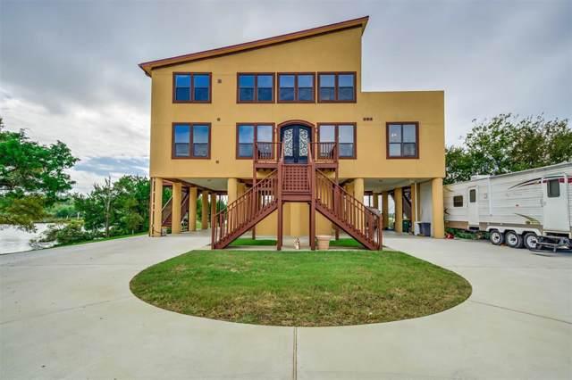 303 Winkler Street, Baytown, TX 77520 (MLS #12015648) :: Ellison Real Estate Team