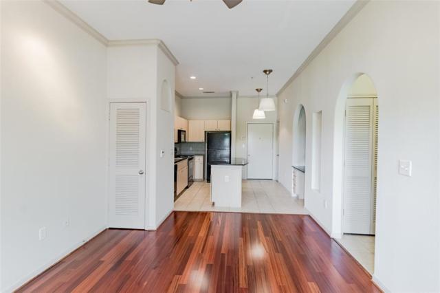 1441 East Street #207, Houston, TX 77007 (MLS #12029346) :: Oscar Fine Properties