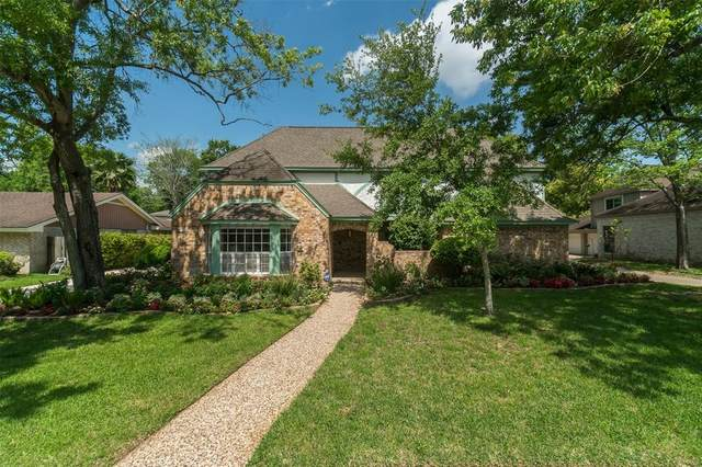1026 Villa Court Drive, Taylor Lake Village, TX 77586 (MLS #12104375) :: Ellison Real Estate Team
