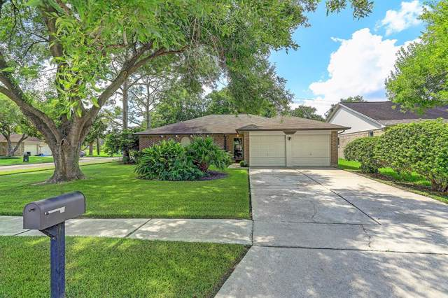 17126 Coachmaker Drive, Friendswood, TX 77546 (MLS #12218105) :: JL Realty Team at Coldwell Banker, United