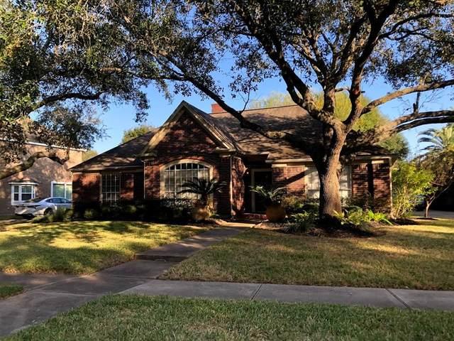4923 Canterbury Lane, Sugar Land, TX 77479 (MLS #12269125) :: Ellison Real Estate Team