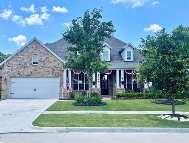 5511 Song Bird Lane, Fulshear, TX 77441 (MLS #12383455) :: Lerner Realty Solutions