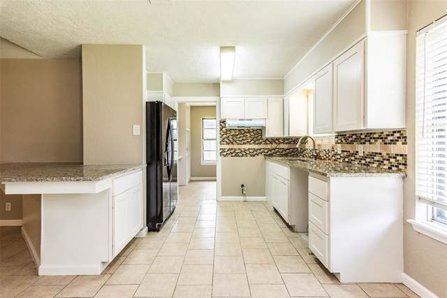 501 Orleans Street, League City, TX 77573 (MLS #12524656) :: Phyllis Foster Real Estate