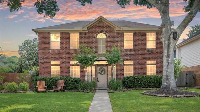 501 Magnolia Circle, League City, TX 77573 (MLS #12596880) :: Christy Buck Team