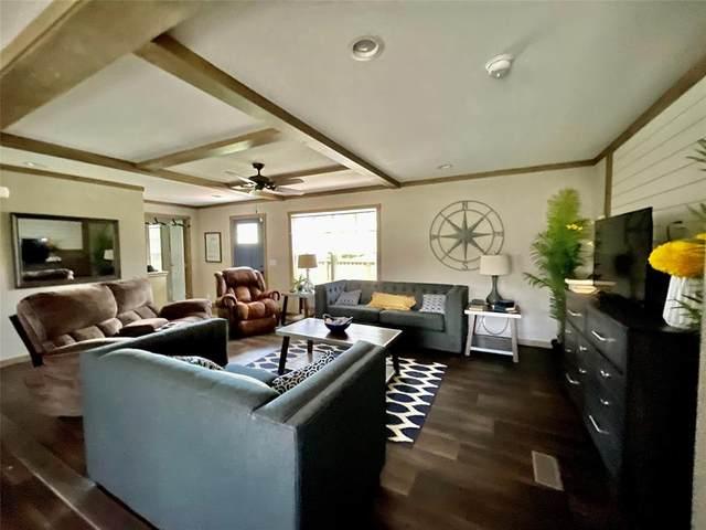 324 W Lone Oak Road, Onalaska, TX 77360 (MLS #12673448) :: The SOLD by George Team