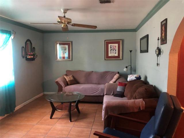8819 Barton Street, Houston, TX 77075 (MLS #12754422) :: Texas Home Shop Realty