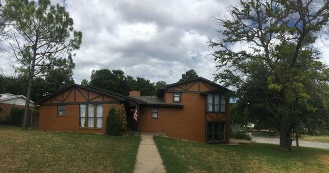 302 S Rusk Street, Weatherford, TX 76086 (MLS #12891824) :: The Heyl Group at Keller Williams