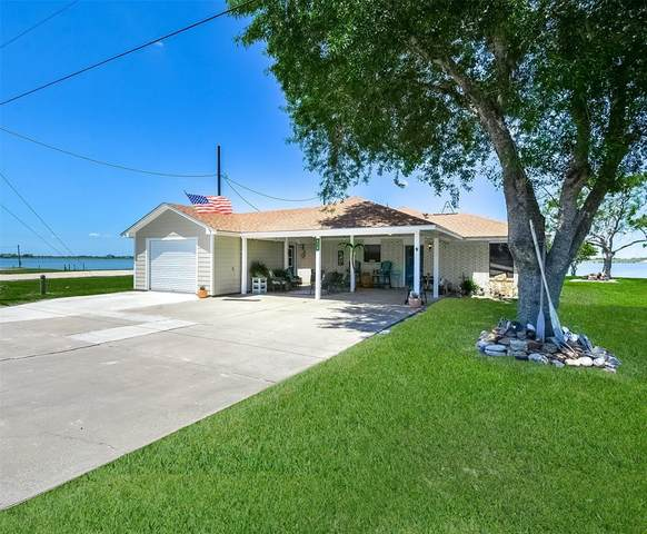 916 W Bayshore Drive, Palacios, TX 77465 (MLS #12974509) :: The SOLD by George Team
