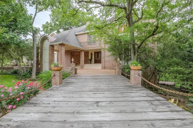 10990 Lakeside Forest Lane, Houston, TX 77042 (MLS #13006165) :: Texas Home Shop Realty
