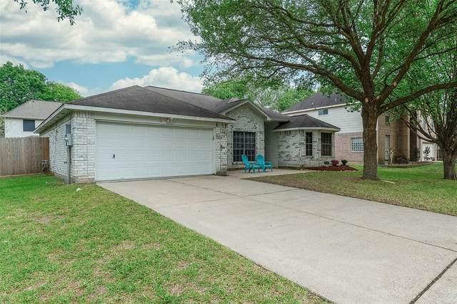 1242 Hunter Wood Drive, League City, TX 77573 (MLS #13060720) :: The Freund Group