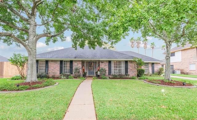 2004 Plantation Drive, Friendswood, TX 77546 (MLS #13327102) :: Texas Home Shop Realty