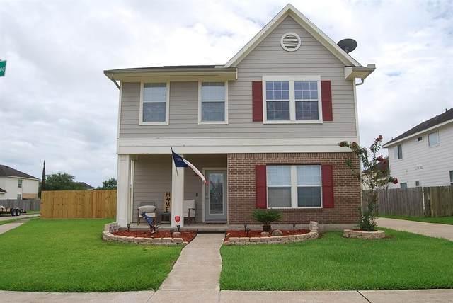 1177 Stallion Ridge, Alvin, TX 77511 (MLS #13398453) :: The SOLD by George Team