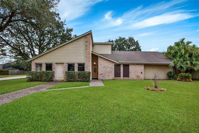 207 Country Lane, League City, TX 77573 (MLS #13473084) :: The Property Guys