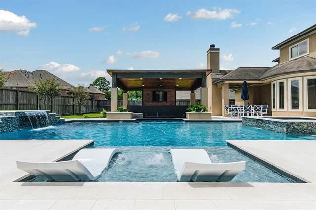 904 Mossy Oak Court, Friendswood, TX 77546 (MLS #13682393) :: Rachel Lee Realtor