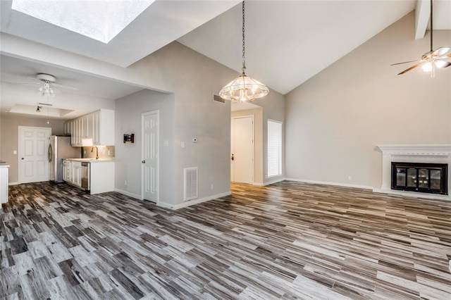 7655 S Braeswood Boulevard #23, Houston, TX 77071 (MLS #13744445) :: The Queen Team