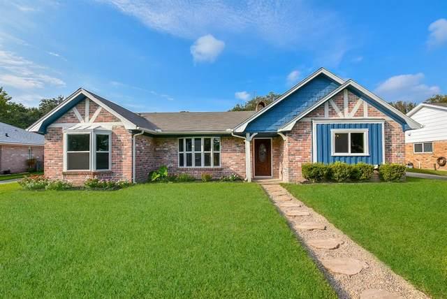 4909 Live Oak Drive, Dickinson, TX 77539 (MLS #13765778) :: Michele Harmon Team