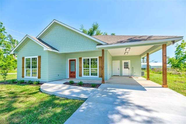 180 Hereford Drive, Onalaska, TX 77360 (MLS #13791800) :: My BCS Home Real Estate Group