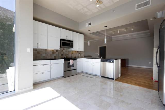 3333 Allen Parkway #302, Houston, TX 77019 (MLS #13813973) :: The SOLD by George Team
