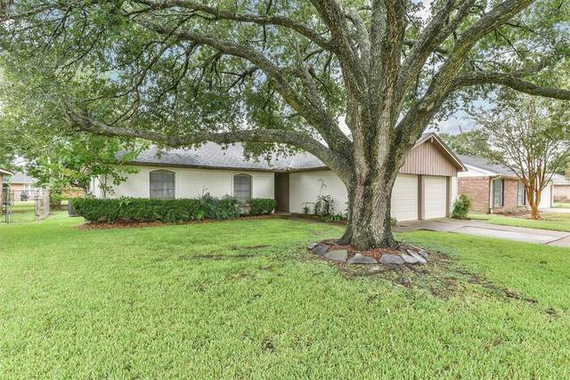 16210 Forest Bend Avenue, Friendswood, TX 77546 (MLS #13969022) :: Texas Home Shop Realty