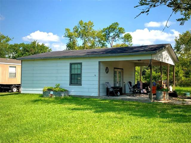 10 Burke Court, Jones Creek, TX 77541 (MLS #14041025) :: Lerner Realty Solutions