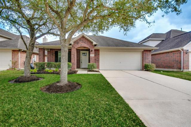 107 Rocky Cove Lane, Dickinson, TX 77539 (MLS #14050597) :: Rachel Lee Realtor