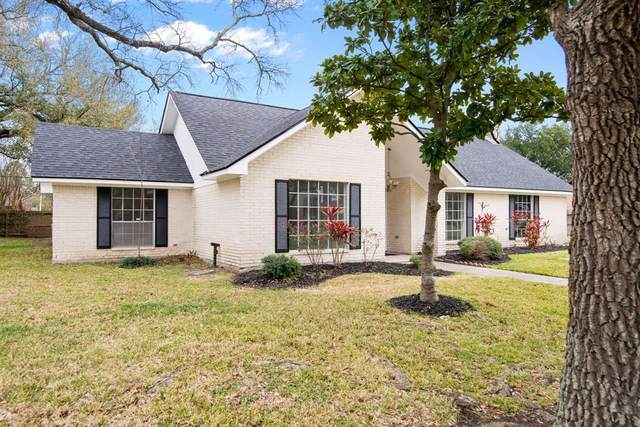 5112 Glenhaven Drive, Baytown, TX 77521 (MLS #14120412) :: The Home Branch