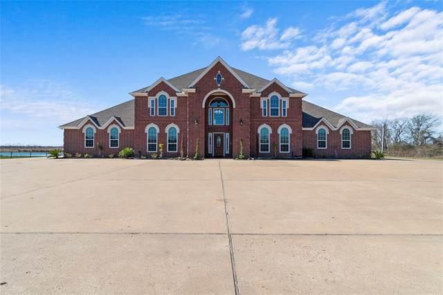 1011 County Road 192, Alvin, TX 77511 (MLS #14305525) :: Michele Harmon Team