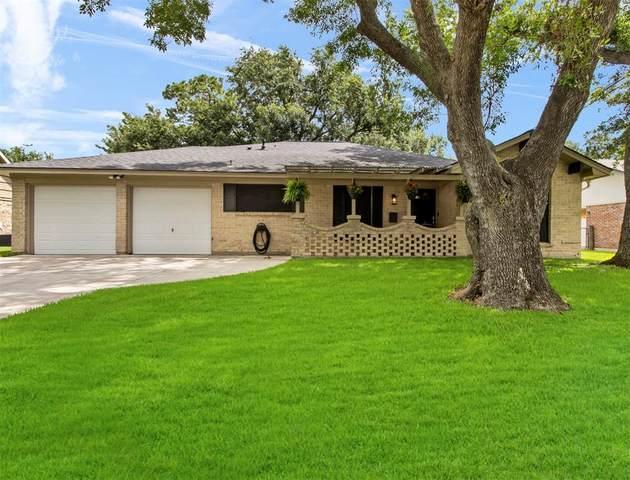 10451 Rustic Gate Road, La Porte, TX 77571 (MLS #14359296) :: Ellison Real Estate Team