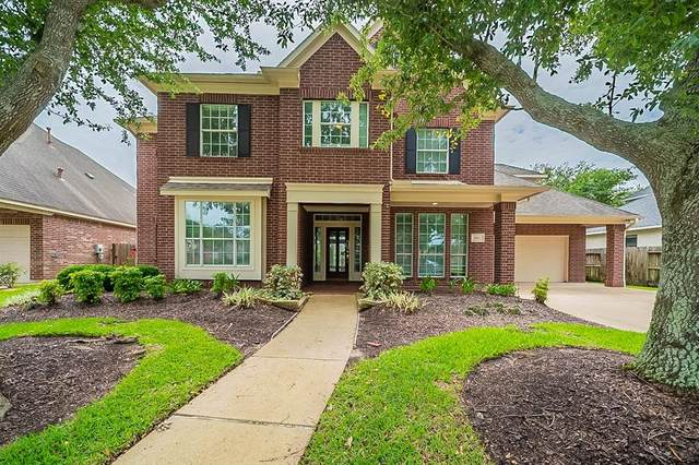 2807 Pinebend Drive, Pearland, TX 77584 (MLS #14366852) :: The Queen Team