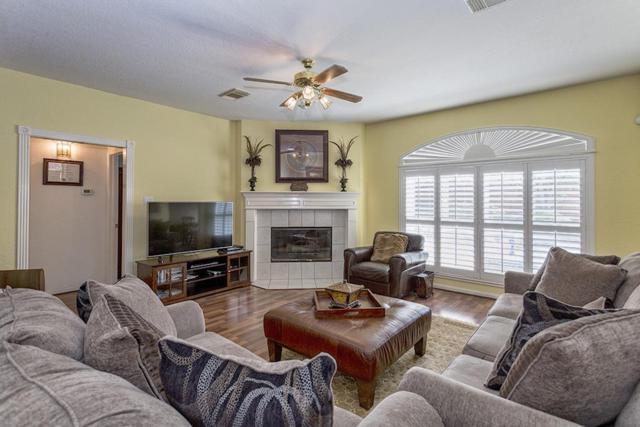 4330 Merriweather Street, Sugar Land, TX 77478 (MLS #14398704) :: Magnolia Realty