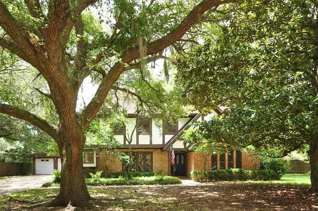 55 Yaupon Court, Lake Jackson, TX 77566 (MLS #14424081) :: Guevara Backman