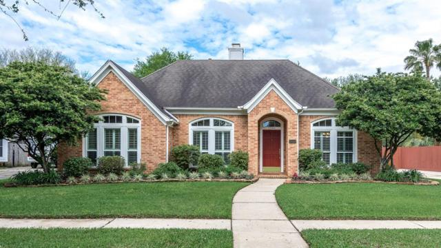 2044 Barrington Pointe Drive, League City, TX 77573 (MLS #14489570) :: The Bly Team
