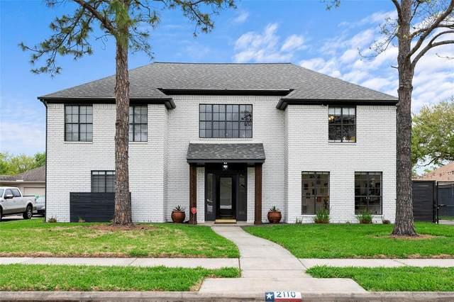 2110 Birdie Court, Pearland, TX 77581 (MLS #14546211) :: Green Residential