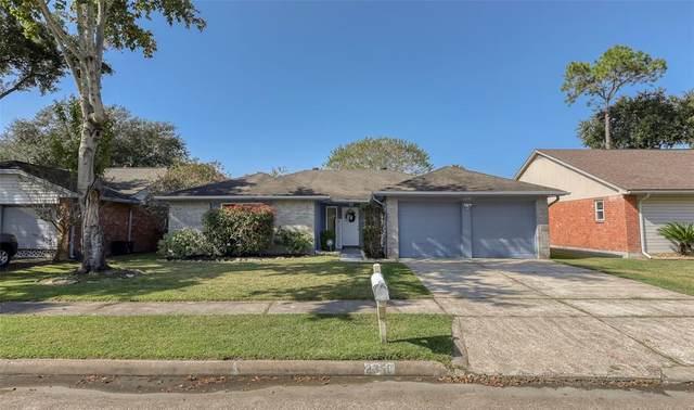 2358 Farriers Bend Drive, Friendswood, TX 77546 (MLS #14881889) :: Homemax Properties