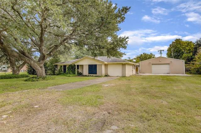 15927 Candy Cane Lane, Alvin, TX 77511 (MLS #14971343) :: Phyllis Foster Real Estate