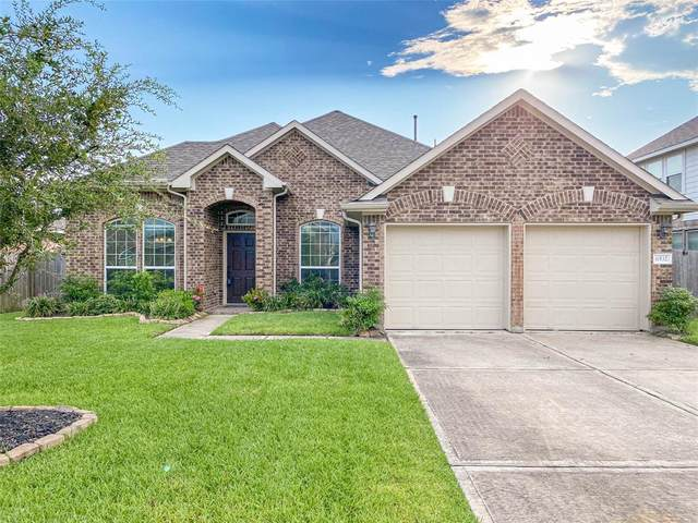6532 Turner Fields Lane, Dickinson, TX 77539 (MLS #15125541) :: Rachel Lee Realtor