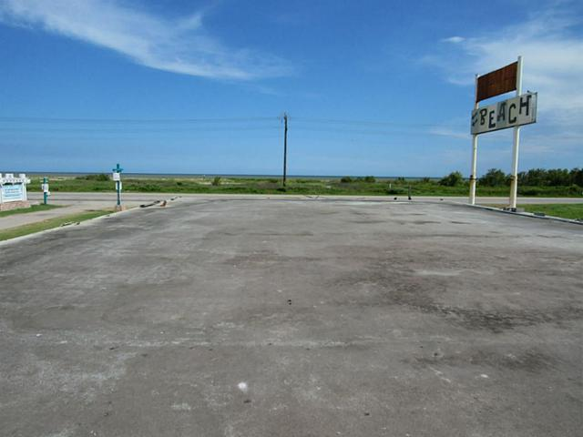 1727 Hwy 87, Gilchrist, TX 77617 (MLS #15255645) :: Texas Home Shop Realty