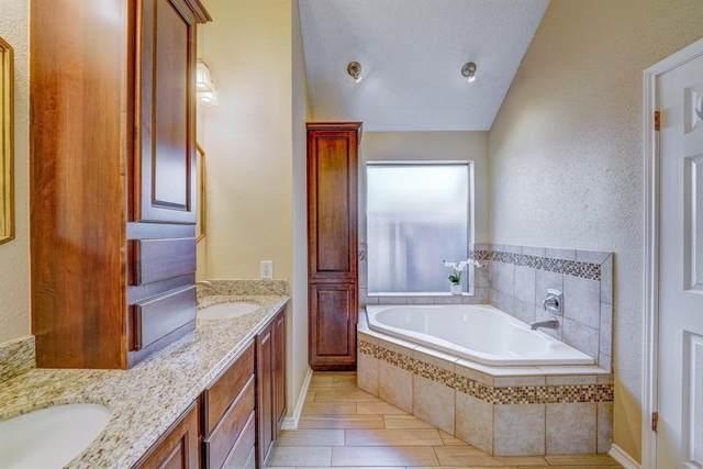 1707 Regal Blue Court, Fresno, TX 77545 (MLS #15312883) :: Len Clark Real Estate