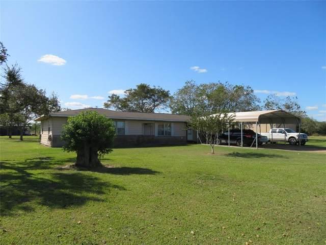 3204 County Road 410, El Campo, TX 77437 (MLS #15558578) :: Ellison Real Estate Team