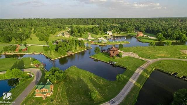 21 Silver Lakes Drive, Huntsville, TX 77340 (MLS #15572133) :: Guevara Backman