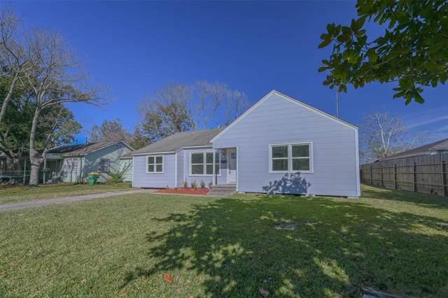 710 E Gulf Street, Baytown, TX 77520 (MLS #15643043) :: Texas Home Shop Realty