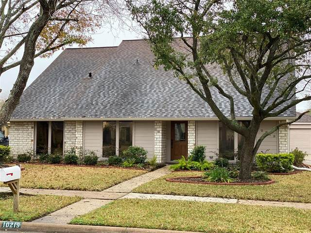 10219 Sagemill Drive, Houston, TX 77089 (MLS #15693825) :: My BCS Home Real Estate Group